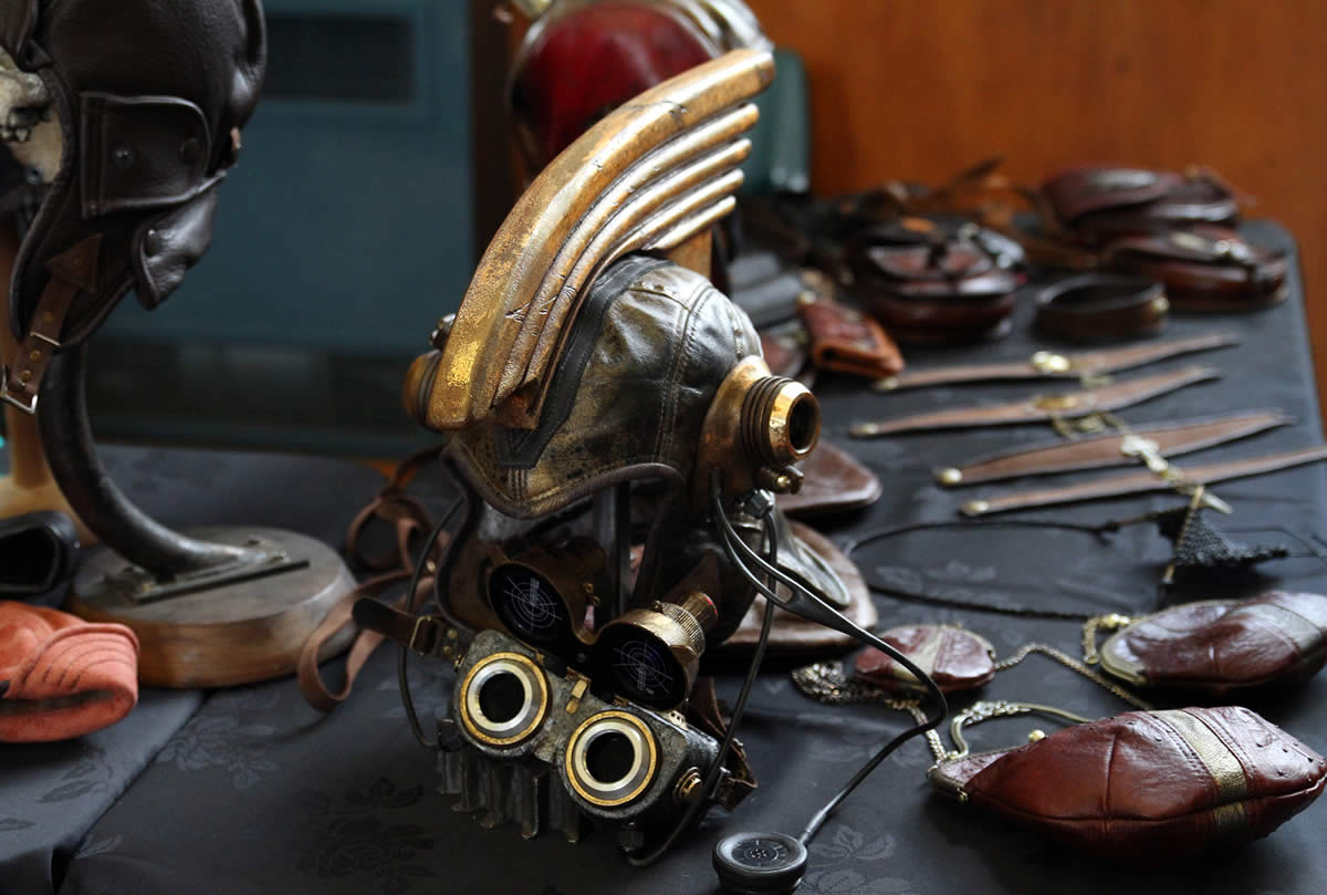 Leather And Art - Trevor Lamb, steampunk helmet